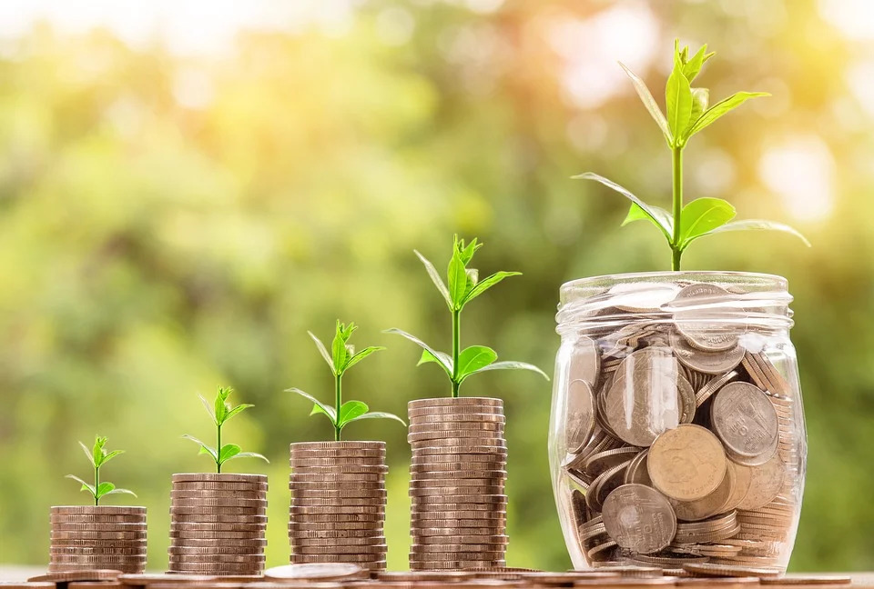 3 Important Tips for Saving and Spending Money for the Future